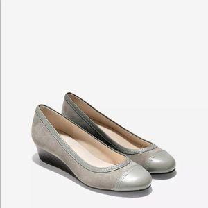 Cole Hana Gray Ballet Cap Low Wedge Shoes 10B NWOT